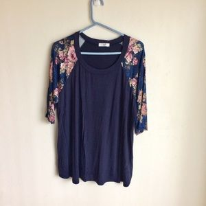 Amelia James Blue Henley Floral Sleeves Size 3X
